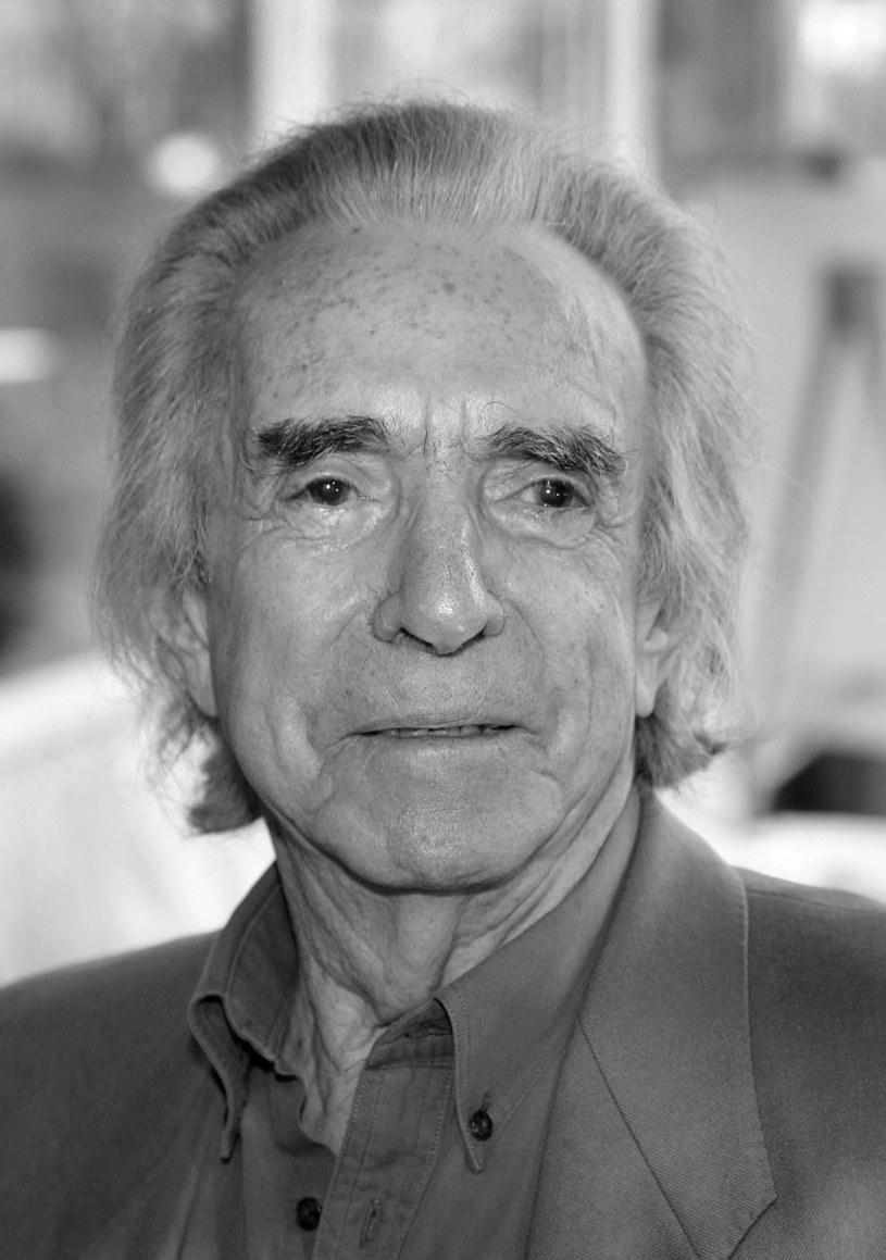 """Kanadyjski reżyser filmowy Arthur Hiller, twórca bijącego w latach 70. rekordy popularności melodramatu """"Love Story"""", zmarł w środę, 17 sierpnia, w Los Angeles w wieku 92 lat."""