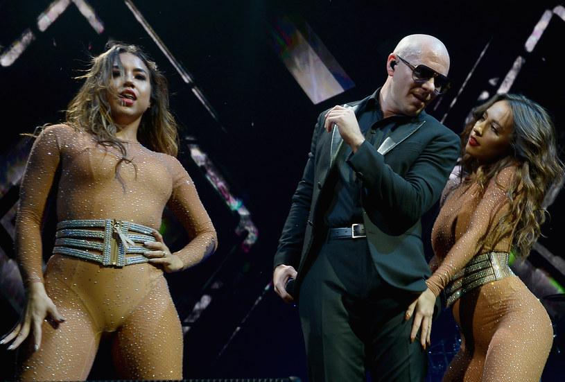 """Do sieci trafił teledysk do najnowszej piosenki Pitbulla, """"Greenlight"""", będącej zapowiedzią kolejnego albumu rapera z Miami."""