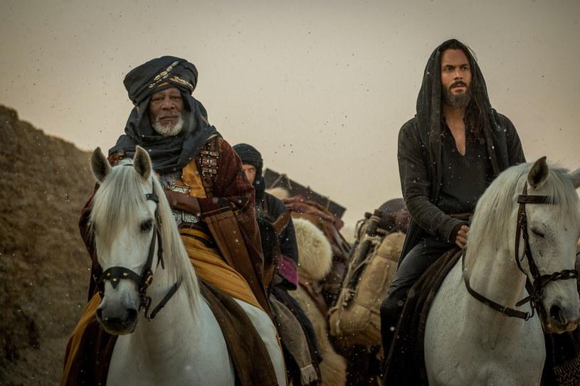 """""""Legion samobójców"""" po raz kolejny utrzymał się na pierwszym miejscu amerykańskiego box office. Finansową porażkę poniosła nowa wersja widowiska historycznego """"Ben-Hur""""."""