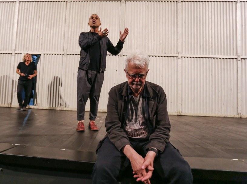 Wieloletnia praca Teatru Polskiego we Wrocławiu jest zagrożona - alarmują warszawskie teatry publiczne w liście otwartym do ministra kultury i marszałka woj. dolnośląskiego. Artyści apelują, by ws. wyboru nowego szefa placówki nie pomijać stanowiska zespołu teatru.
