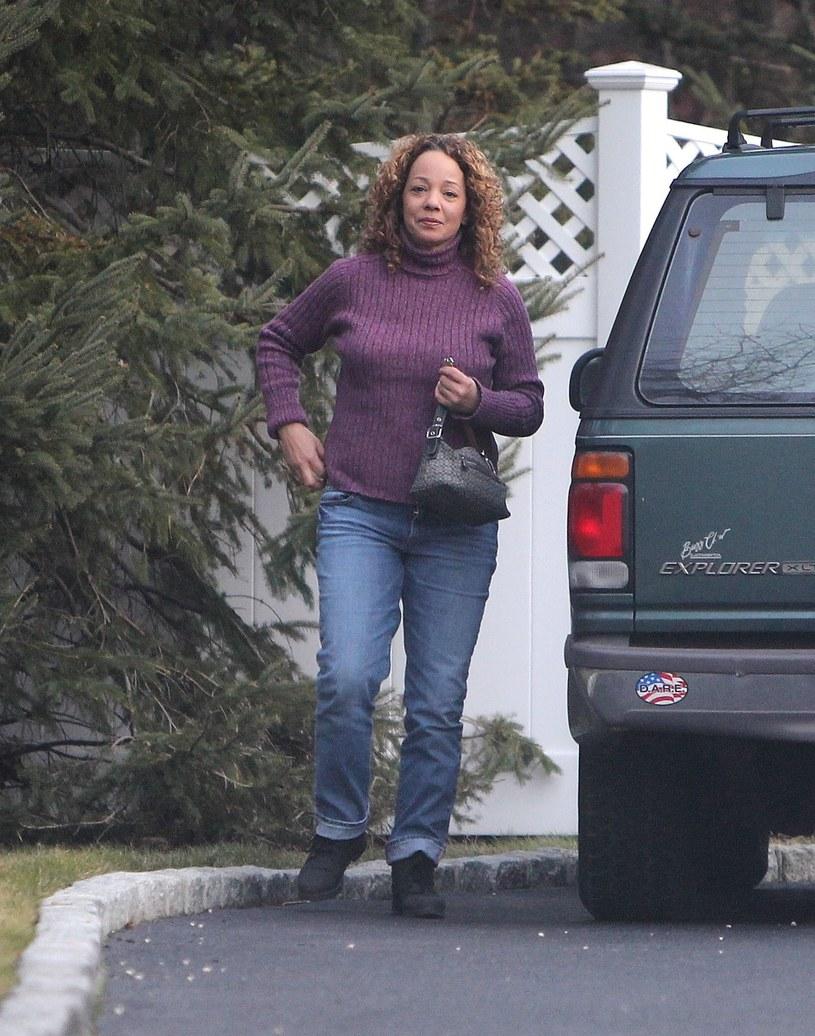 Starsza siostra znanej piosenkarki została aresztowana pod zarzutem prostytucji w Saugareties w stanie Nowy Jork.