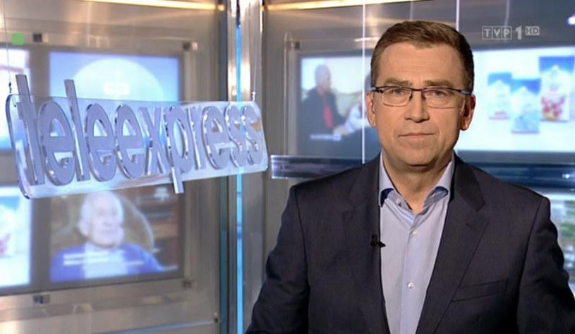 """""""To jest mój ostatni 'Teleexpress'. Żegnam się z Państwem (...) Do zobaczenia w innym miejscu"""" - tym razem Maciej Orłoś nie miał dla widzów kultowego programu informacyjnego TVP1 żadnej """"śmiesznostki"""" na koniec. W środę, 31 sierpnia, po 25 latach, Orłoś po raz ostatni poprowadził """"Teleexpress""""."""