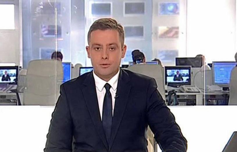 """W środę z Telewizją Polską rozstał się Maciej Orłoś, który od 1991 roku był gospodarzem """"Teleexpressu"""". Zastąpi go Michał Cholewiński, który po raz pierwszy poprowadzi program 5 września."""