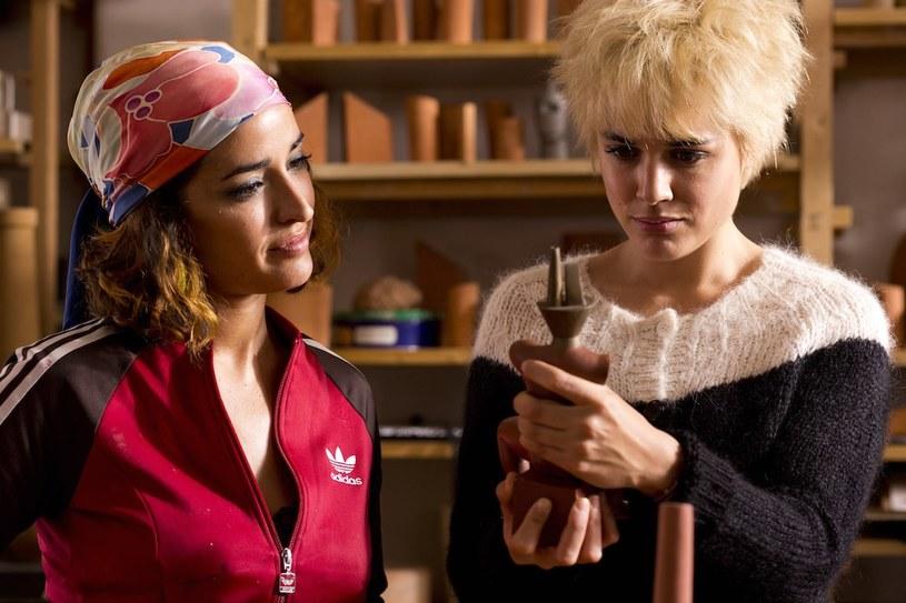 """Prezentowana na festiwalu w Cannes """"Julieta"""" Pedro Almodavara, opowieść o matce poszukującej córki, która wiele lat wcześniej zniknęła bez śladu, trafi w piątek, 2 września, na ekrany polskich kin. Hiszpański mistrz kina zrealizował swój nowy film na podstawie prozy Alice Munro."""