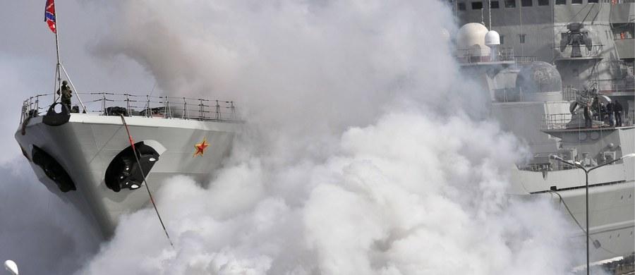 Z udziałem 12,5 tys. żołnierzy rozpoczęły się na południu Rosji, w tym na wodach mórz Czarnego i Kaspijskiego, manewry wojskowe Kaukaz-2016. Na ćwiczeniach testowane będą nowe rodzaje broni i sprzętu wojskowego, a także systemy dowodzenia.