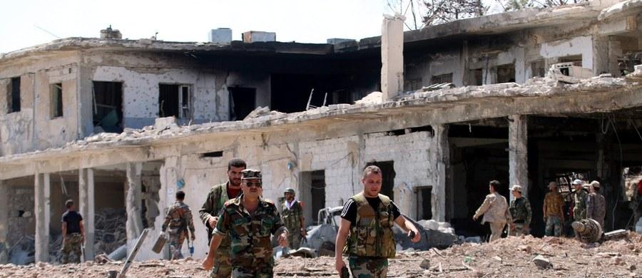 Co najmniej 48 osób zginęło w zamachach bombowych, do których doszło w Syrii na terenach kontrolowanych przez siły rządowe i Kurdów - poinformowały państwowe media. Do ataków przyznało się dżihadystyczne Państwo Islamskie (IS).