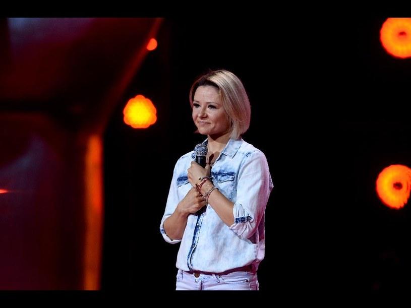 """""""The Voice of Poland"""" to szansa nie tylko dla młodych i zdolnych wykonawców, ale też i takich, którzy mimo sporego talentu nie potrafili przebić się przez konkurencję i zrobić kariery. Tym razem przed trenerami wystąpiła znana w muzycznym światku Anna Karwan."""