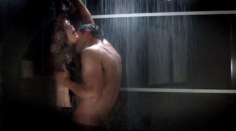 """W sieci pojawił się pierwszy zwiastun """"Ciemniejszej strony Greya"""", kontynuacji erotycznego hitu z Dakotą Johnson i Jamiem Dornanem. Obraz trafi na ekrany 10 lutego 2017. W trailerze pojawia się fragment coveru """"Crazy in Love"""" Beyonce w wykonaniu Miguela."""