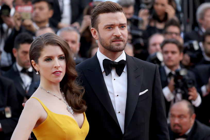 """Do sieci trafiła piosenka """"True Colors"""" w wersji wykonywanej przez Justina Timberlake'a i Annę Kendrick. Utwór pochodzi ze ścieżki dźwiękowej animowanego filmu """"Trolle"""", w którego obsadzie znalazła się ta aktorska para."""