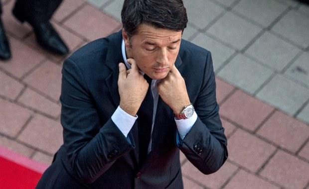 """Premier Włoch Matteo Renzi oświadczył, że problem masowej migracji grozi """"eksplozją"""" z powodu bezradności Unii Europejskiej. Ponownie skrytykował wyniki nieformalnego szczytu UE w Bratysławie, uznając je za niewystarczające."""