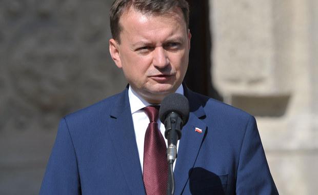 O wzmocnieniu roli Polonii w życiu politycznym USA, ściganiu mówiących nieprawdę o Polsce i kwestii imigrantów muzułmańskich mówił w Nowym Jorku minister Mariusz Błaszczak. Szef MSWiA spotkał się z Polonią w nowojorskim Instytucie Piłsudskiego.