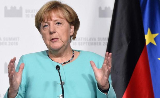 SPD wygrała w niedzielę wybory do Izby Deputowanych - regionalnego parlamentu Berlina i mimo utraty głosów będzie nadal rządzić w stolicy Niemiec. Współrządząca dotąd CDU uzyskała słaby wynik i tym samym stanie się opozycją. Dobry wynik osiągnęła prawicowa AfD.