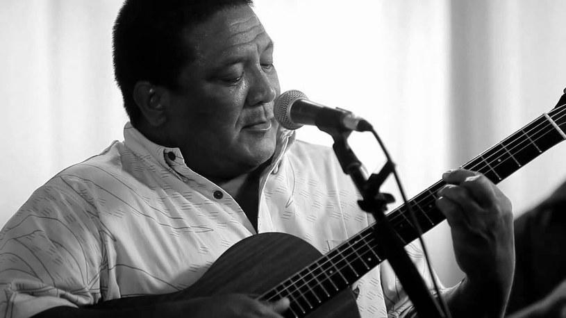Pochodzący z Hawajów Ernie Cruz Jr. zmarł we wtorek, 20 września, w szpitalu w Honolulu.