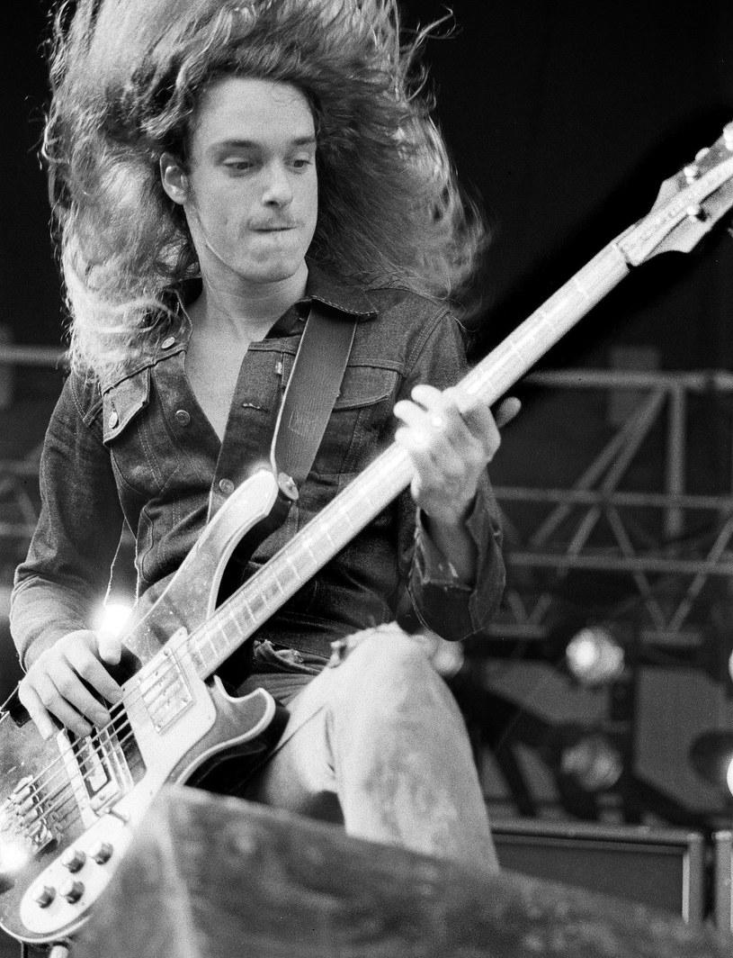 Gdyby nie on, Metallica brzmiałaby inaczej. 30 lat temu, 27 września 1986 r., w wypadku autobusu zginął Cliff Burton, basista metalowej legendy.