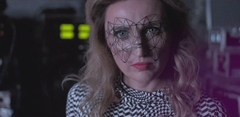 """Reni Jusis opublikowała teledysk do kolejnego singla z płyty """"Bang!"""". Klip """"Delta"""" promuje jednocześnie jesienną trasę koncertową wokalistki."""