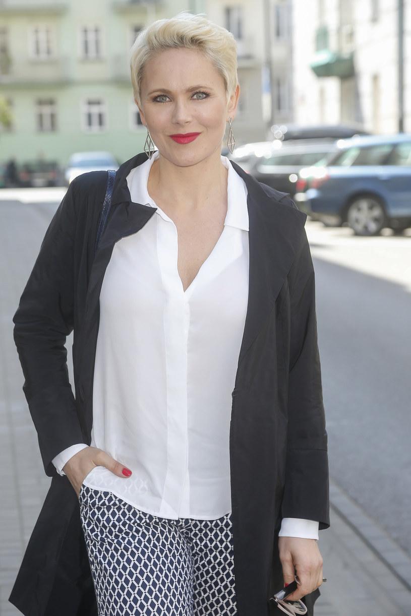 Anna Samusionek popiera Ogólnopolski Strajk Kobiet. Nie wyklucza, że weźmie udział w jednej z zapowiadanych na 3 października manifestacji. Zdaniem aktorki sytuacja wokół projekty ustawy zaostrzającej przepisy antyaborcyjne przypomina czasy palenia kobiet na stosach.