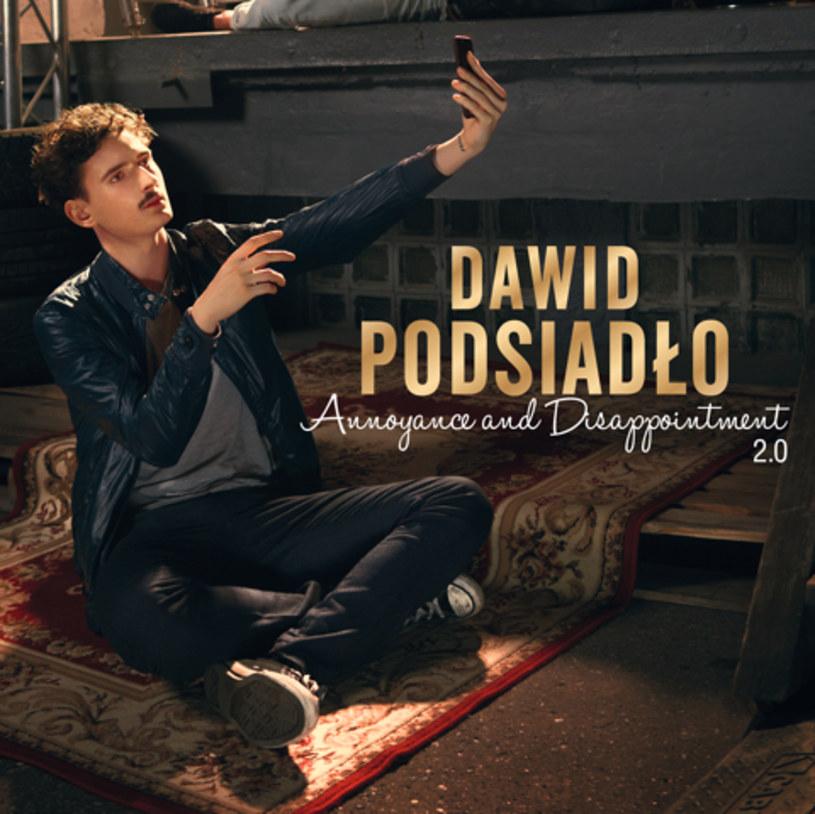 """Nowy utwór """"Tapety"""" promuje reedycję płyty """"Annoyance and Disappointment"""" Dawida Podsiadły."""
