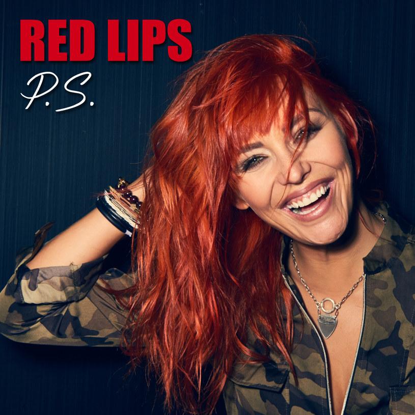 """23 listopada ukaże się nowa płyta grupy Red Lips - """"Zmiana planu"""". Jej zapowiedzią jest piosenka """"P.S."""", której możecie posłuchać poniżej."""