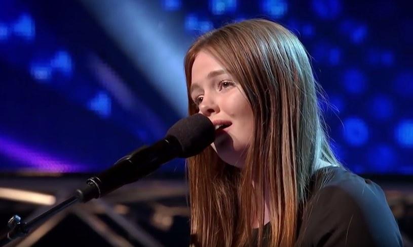 """14-letnia Amalia Foy zachwyciła jurorów australijskiej wersji """"X Factora"""". Zobaczcie jej występ!"""