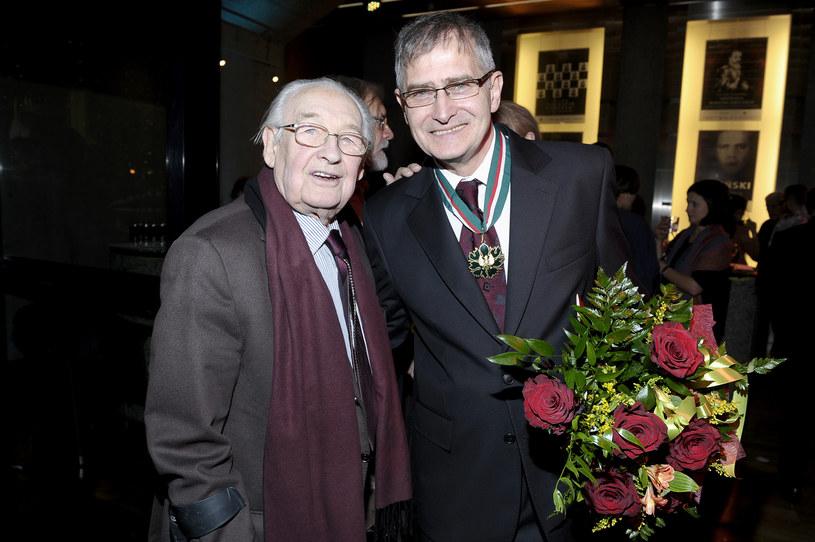 Andrzej Wajda miał ogromną ciekawość ludzi, także aktorów. W jego towarzystwie szkoda było życia na banał - powiedział Olgierd Łukaszewicz, prezes Związku Artystów Scen Polskich. Jeden z najważniejszych polskich reżyserów filmowych, zmarł w niedzielę, 9 października w wieku 90 lat.