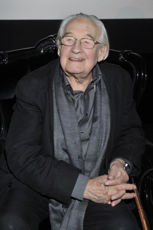 Białoruskie agencje i portale informacyjne zamieszczają w poniedziałek, 10 października, materiały o śmierci polskiego reżysera Andrzeja Wajdy, nazywając go legendą i klasykiem kina.