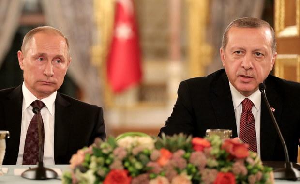Prezydent Rosji Władimir Putin powiedział, że na spotkaniu z prezydentem Turcji Recepem Tayyipem Erdoganem w Stambule doszli do zgody co do ważności dostaw pomocy humanitarnej do Aleppo. Dodał, że temat zostanie rozwinięty w sobotę na rozmowach w Szwajcarii.