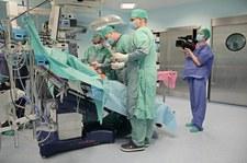Sala operacyjna: waga ciężka
