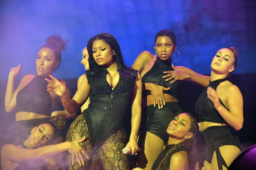Niewiele wystarczyło, aby Nicki Minaj przypomniała o swoim ciętym języku. Raperka wywołała zamieszanie swoimi słowami i ubiorem.