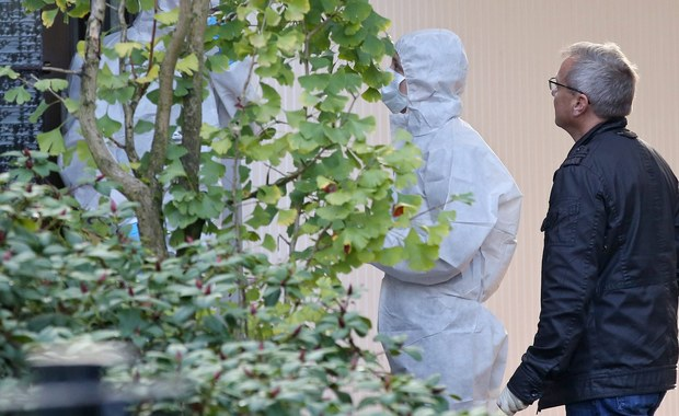Niemieccy śledczy nie mają już wątpliwości, że to 49-letni mieszkaniec Wedel na przedmieściach Hamburga zabił swoje dzieci, a następnie popełnił samobójstwo. Dziś na działce obok ich domu znaleziono zwłoki kobiety. To najprawdopodobniej poszukiwana matka 5-letniej dziewczynki i 2-letniego chłopca.