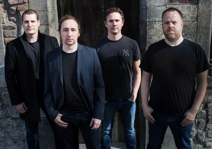 Basista Airbag w trybie nagłym trafił do szpitala, co sprawiło, że planowane na piątek i sobotę (3 i 4 lutego) koncerty norweskiej grupy Airbag w naszym kraju zostały odwołane.