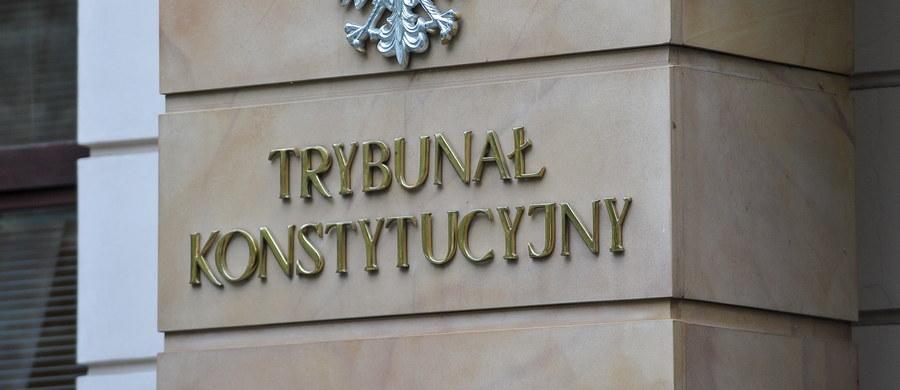 To, że Zgromadzenie Ogólne sędziów Trybunału Konstytucyjnego nie uchwaliło wczoraj zmian w regulaminie jest tylko jedną z zapowiedzi tego, co spotka TK w najbliższych miesiącach. Kampania wokół sądu konstytucyjnego potrwa jeszcze osiem miesięcy. Skończy się zapewne objęciem funkcji prezesa przez prof. Muszyńskiego i tym, że w Trybunale będzie dziesięciu sędziów powołanych przez obecny Sejm.