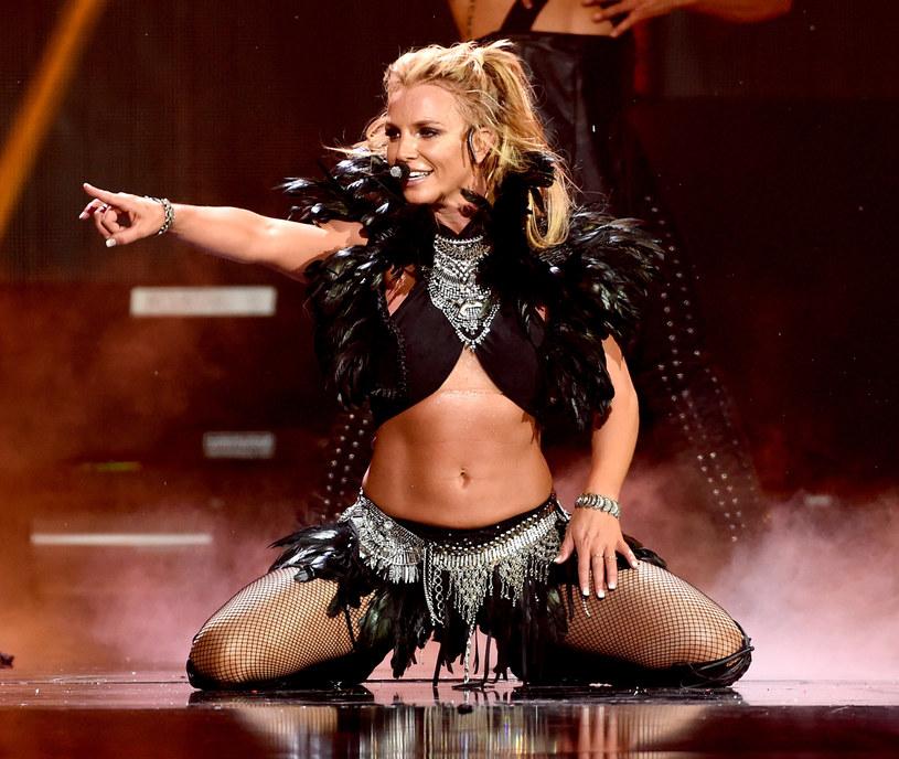 Popularna wokalistka zaliczyła wpadkę w trakcie występu w Las Vegas. Sytuacja została jednak szybko opanowana przez tancerzy Spears.