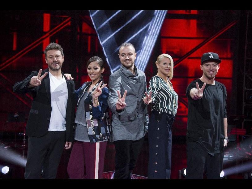 """W najbliższą sobotę (29 października) odbędzie się kolejny etap """"The Voice of Poland"""", czyli nokaut. Program rozpocznie wspólny występ Tomsona, Barona i Marii Sadowskiej."""