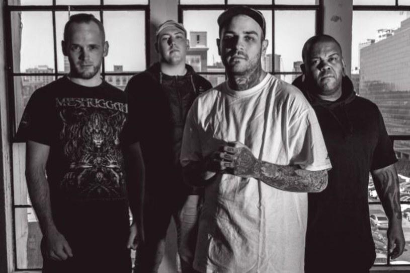 Deathcore'owa formacja Emmure z USA podpisała umowę z Nuclear Blast / SharpTone.