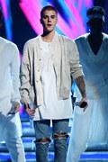 Justin Bieber wystąpił w barze za darmowe drinki