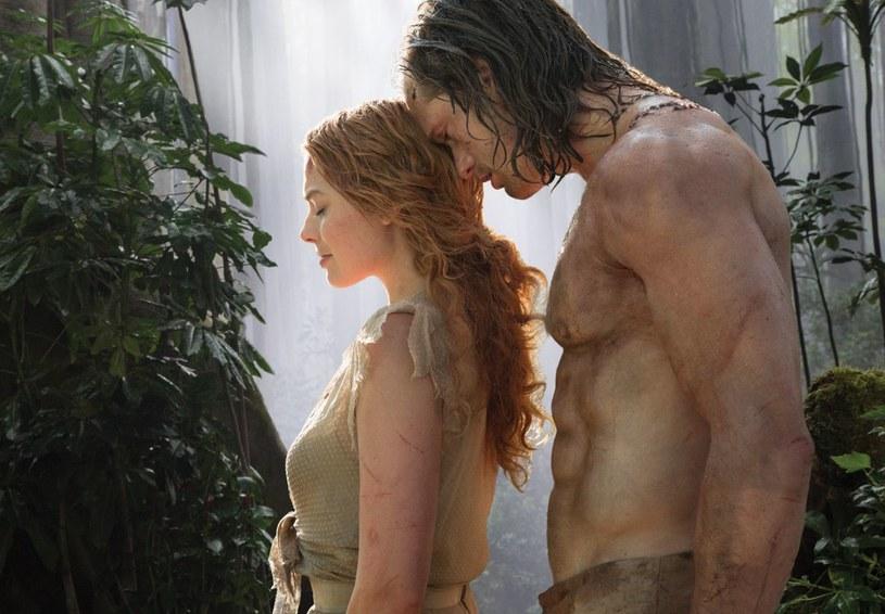 """Najsłynniejszy bohater wykreowany przez pisarza Edgara Rice'a Burroughsa powraca na duży ekran. """"Tarzan: Legenda"""", w którym główne role zagrali Alexander Skarsgård, Margot Robbie i Christoph Waltz, 9 listopada debiutuje na płytach 4K Ultra HD Blu-ray, Blu-ray 3D, Blu-ray i DVD."""