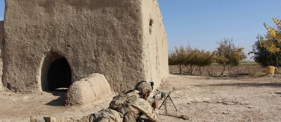 Afgańscy talibowie wezwali amerykańskiego prezydenta elekta Donalda Trumpa do wycofania oddziałów USA z Afganistanu.