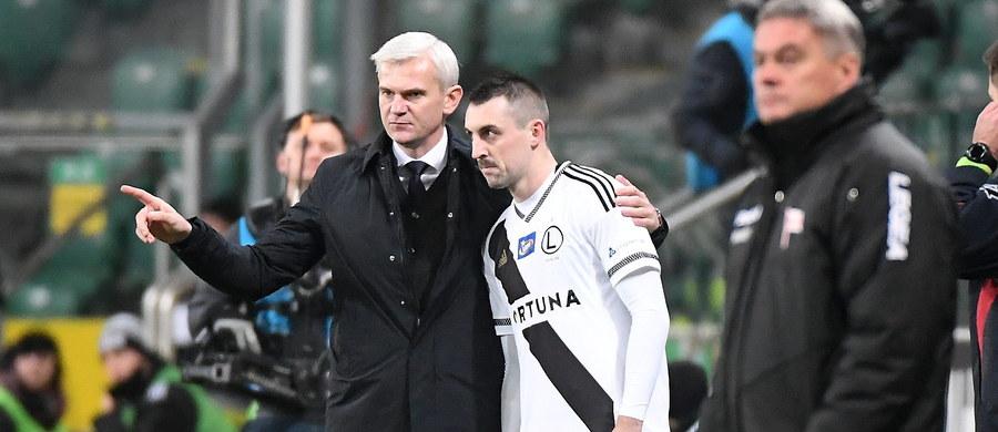 Komisja Dyscyplinarna UEFA ukarała Legię zakazem wyjazdu zorganizowanych grup kibiców na mecz piłkarskiej Ligi Mistrzów z Borussią Dortmund. Na mistrza Polski nałożono też grzywnę - 80 tys. euro.