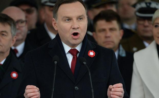 Prezydent Andrzej Duda zaapelował o wspólne prace nad przygotowaniem obchodów 100. rocznicy niepodległości. Wierzę, że może już w 2017, ale przede wszystkim w 2018 r. moglibyśmy razem pójść w jednym marszu ku czci niepodległej Polski - powiedział prezydent.