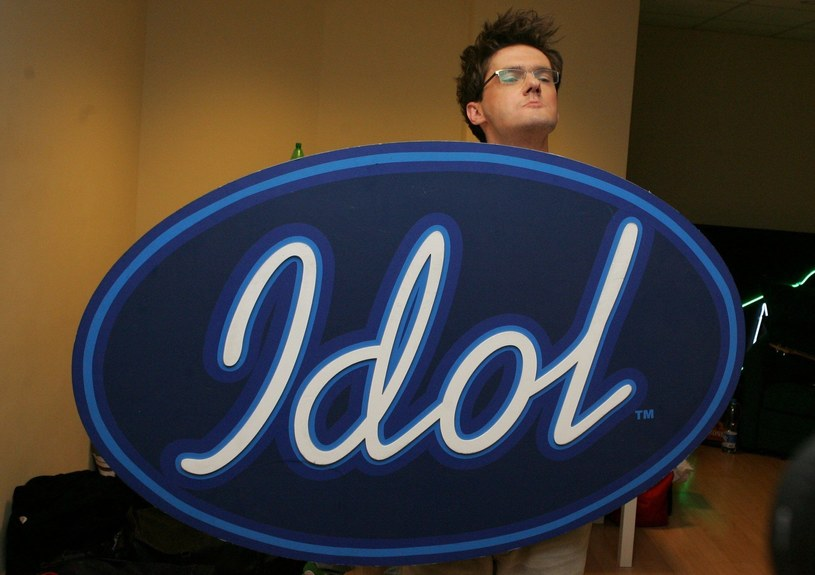 """""""Idol"""" powraca. Polsat postanowił reaktywować pierwszy talent show, który promował uczestników na tak ogromną skalę. Jednak nie zawsze jurorom udawało się wychwycić osobistości, które w przyszłości miały zrobić sporą karierę w branży rozrywkowej. Oto dziesiątka takich uczestników."""