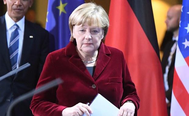 """Kanclerz Niemiec Angela Merkel jest jedynym politykiem, który może stawić czoło Donaldowi Trumpowi i zapobiec rozpadowi Zachodu - pisze Alan Posener w niedzielnym wydaniu """"Die Welt"""". Merkel ma dziś ogłosić, czy będzie się ubiegać o reelekcję."""