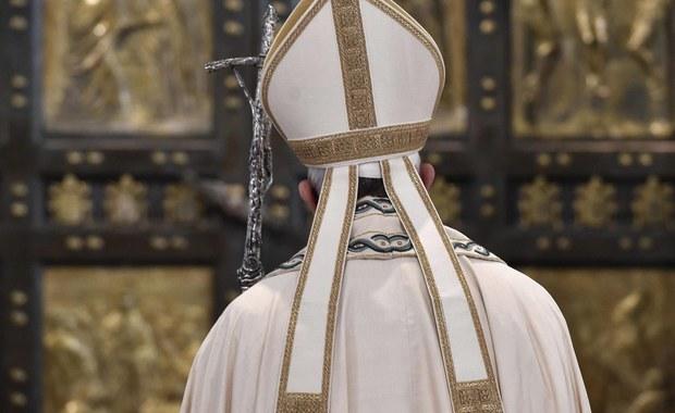 Papież udzielił wszystkim kapłanom władzy rozgrzeszania osób, które popełniły grzech aborcji, przedłużając tym samym swą decyzję, która obowiązywała w Roku Świętym. Poinformował o tym w ogłoszonym liście apostolskim z okazji zakończenia Roku.