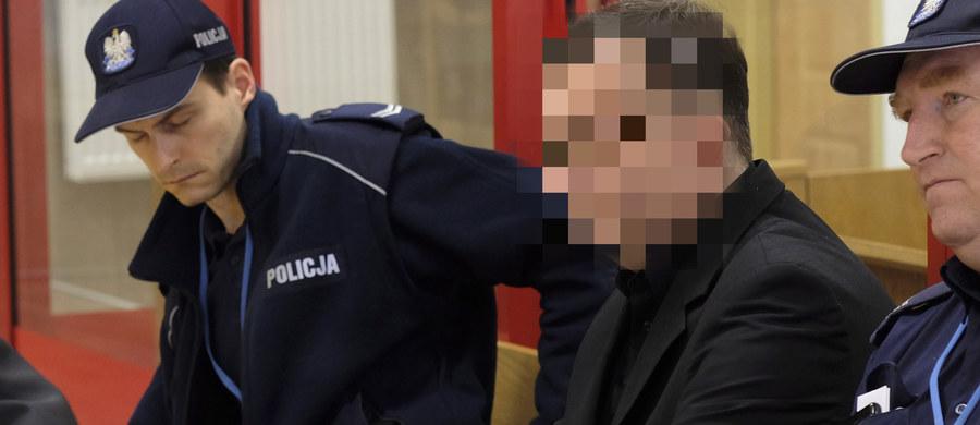 Kary dożywotniego więzienia zażądała prokurator dla Dariusza P., oskarżonego o podpalenie domu w Jastrzębiu-Zdroju i zabicie w ten sposób pięciorga członków najbliższej rodziny. W pożarze, do którego doszło w maju 2013 r., zginęła żona P. i czworo ich dzieci.