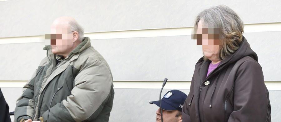 Kary wymierzone przez sąd dla rodziców zastępczych z Łęczycy, którzy fizycznie i psychicznie znęcali się nad dziećmi są satysfakcjonujące - uważa prokurator. Sąd zdecydował, że wyrodny opiekun spędzi w więzieniu 9 lat.