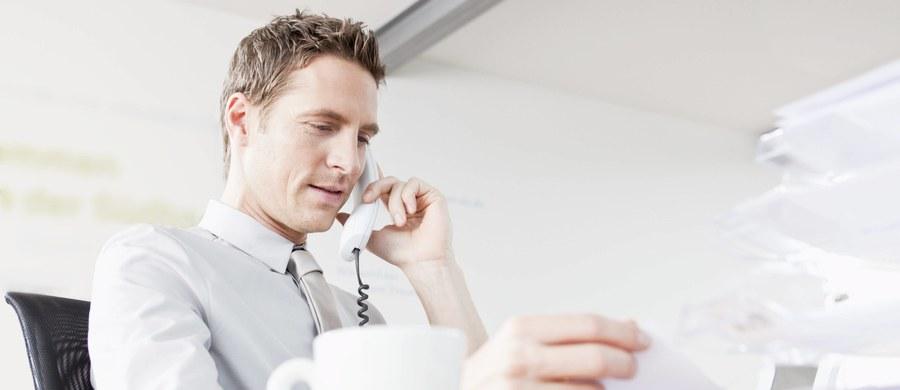 Telefony rozgrzane do czerwoności - tak w największym skrócie można by opisać coroczne dyżury telefoniczne notariuszy w różnych miastach Polski, zorganizowane dla słuchaczy RMF FM potrzebujących porady prawnej. W tym roku będziecie mogli telefonicznie porozmawiać z notariuszami już w poniedziałek 28 listopada. Zapraszamy!