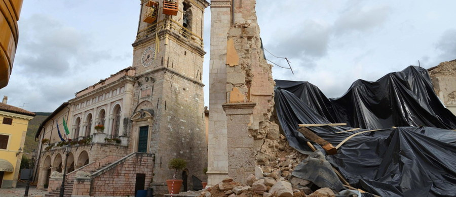 Minister kultury zadeklarował, że wyśle do Włoch polskich specjalistów w rekonstrukcji zabytków, którzy pomogą przy zniszczonych w skutek trzęsienia ziemi zabytkach. Polscy konserwatorzy są w pełni przygotowani, by rozpocząć prace w Abruzji w 2017 roku - zadeklarował.