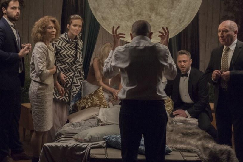"""W Warszawie zakończyły się zdjęcia do filmu Pawła Maślony pod tytułem """"Atak paniki"""". To komediodramat, na który składa się szereg pozornie niezwiązanych ze sobą historii, dla których tytułowy atak paniki jest wspólnym mianownikiem."""
