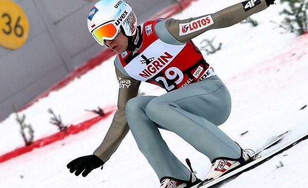 Kamil Stoch zajął czwarte miejsce, a Maciej Kot piąte w niedzielnym konkursie Pucharu Świata w niemieckim Klingenthal. Na półmetku Polacy - w odwrotnej kolejności - zajmowali dwie czołowe lokaty. Triumfował Słoweniec Domen Prevc.