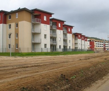 Konflikt Morawiecki-Adamczyk, czyli kto będzie dowodził flagowym programem Mieszkanie Plus