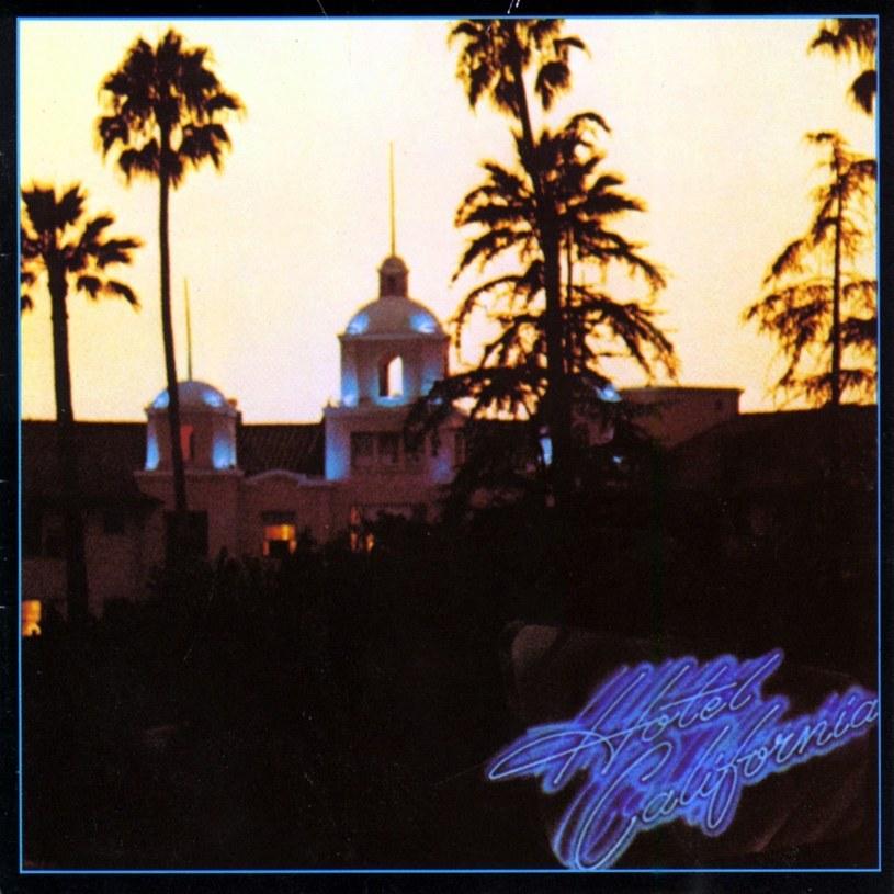 """Wynik ponad 32 mln sprzedanych egzemplarzy stawia """"Hotel California"""" grupy Eagles w gronie największych bestsellerów wszech czasów. 8 grudnia mija 40 lat od premiery tego albumu."""